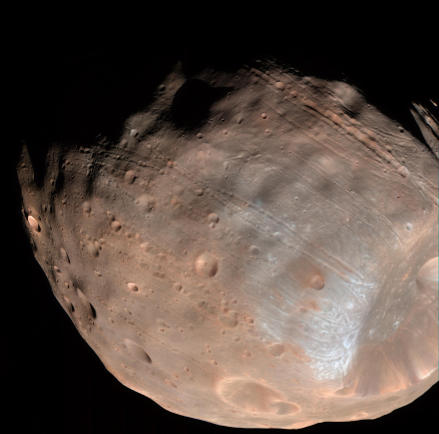The stretch marks of Phobos.